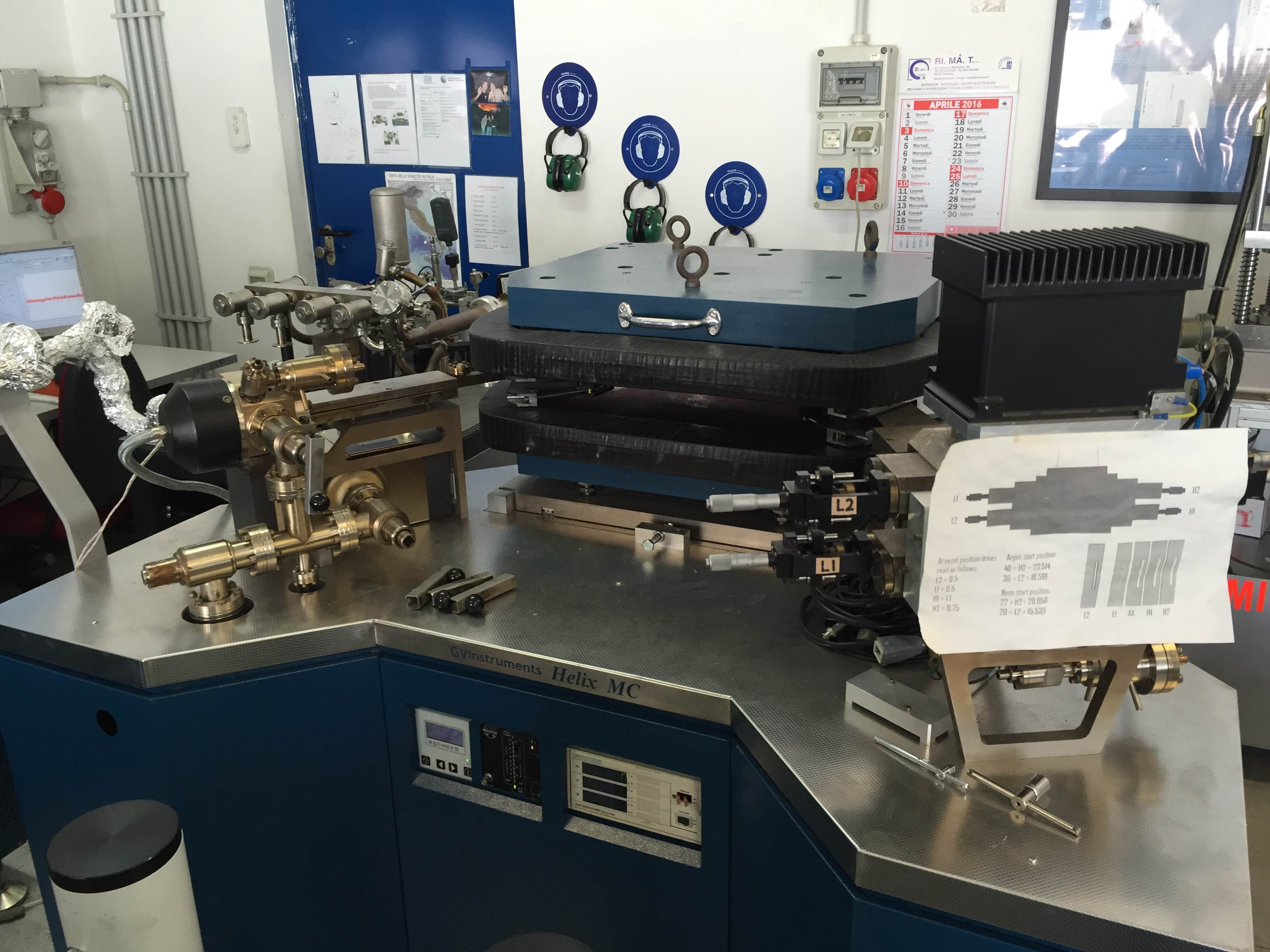 Fig. 9 Helix MC-GVI per analisi isotopi Ar in campioni di gas